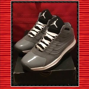 huge selection of bb363 a0a8f Nike Shoes - Nike Air Jordan Big UPS GS ..Grey White